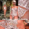 Culottes et corset de dentelle blanche